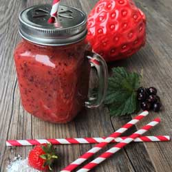 BeautyScoop - Scottish Strawberry and Coconut Smoothie